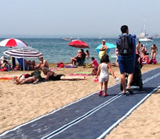 accessibility on beaches and external paths of travel